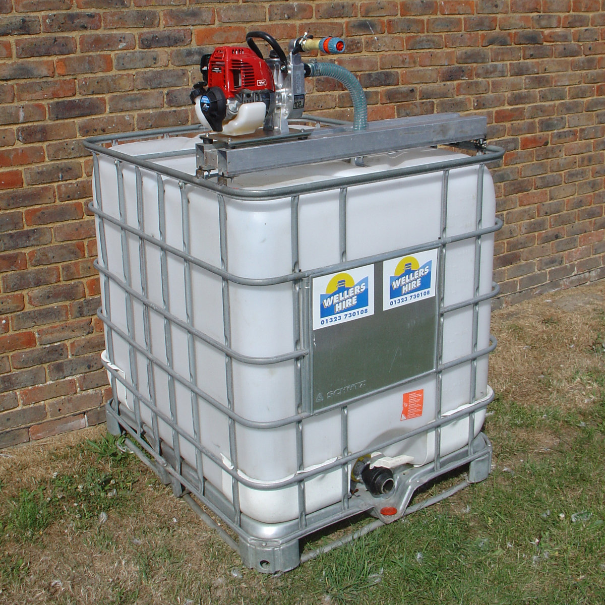 Water Bowser 1000 Litres Amp Pump Wellers Hire
