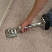Carpet Stretcher / Knee Kicker In Action – 1