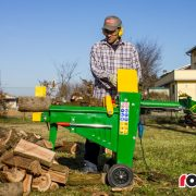 Log Splitter Electric 8 Tonne Hydraulic – In Action 3