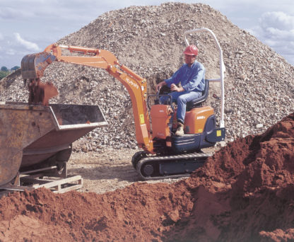 Mini Excavator Digger 0.8 Tonne - In Action 1