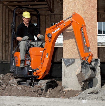 Mini Excavator Digger 0.8 Tonne - In Action 2