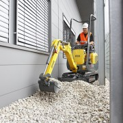 Mini Excavator Digger 1.0 Tonne – In Action 1