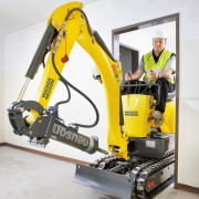 Mini Excavator Digger 1.0 Tonne – In Action 3
