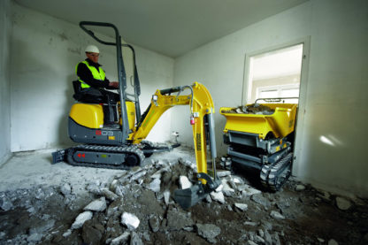 Mini Excavator Digger 1.0 Tonne - In Action 5