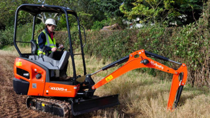 Mini Excavator / Digger 1.5 Tonne - In Action 1