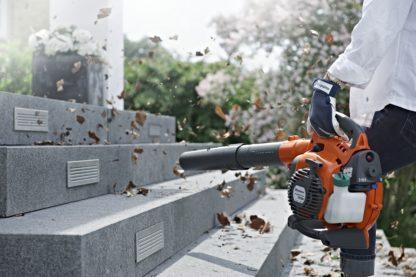 Petrol Leaf Blower / Vacuum - In Action 1