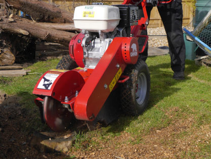 Stump Grinder - In Action 4